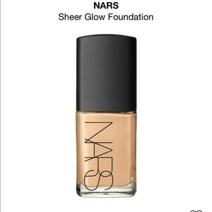 NARS | Sheer Glow Foundation Medium 1 Punjab 6043